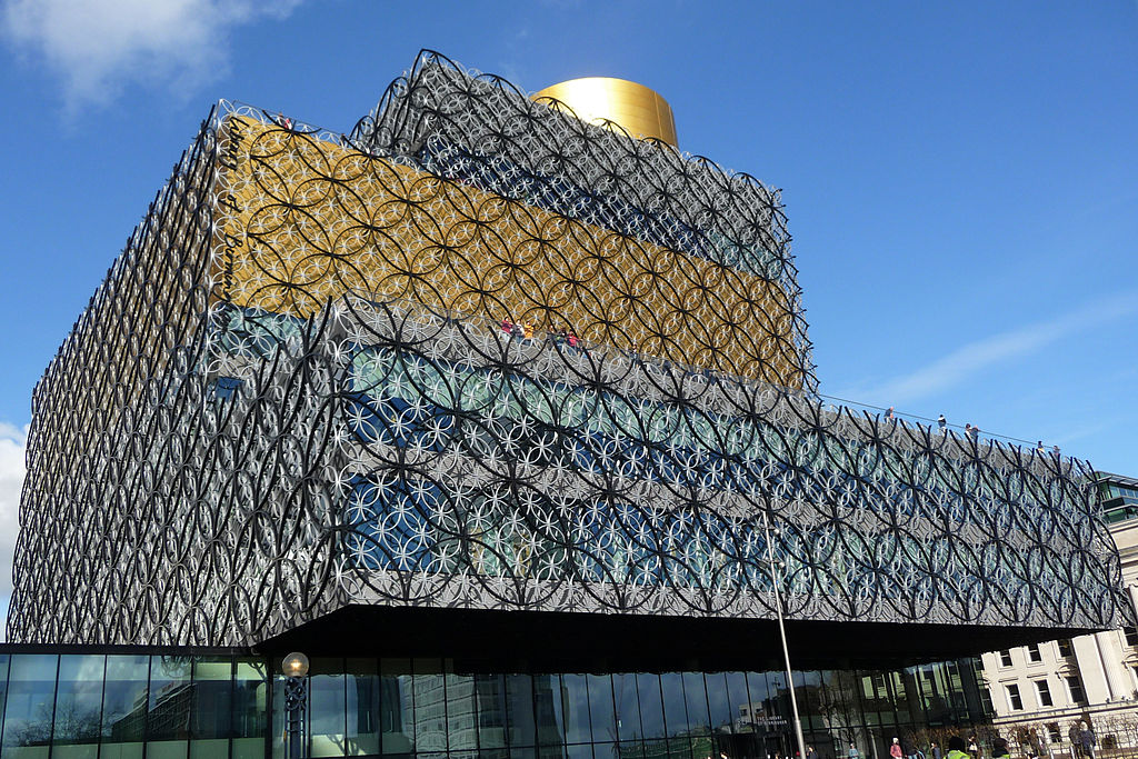library-of-birmingham-oblique-crop